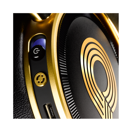N90Q - Gold - Reference class auto-calibrating noise-cancelling headphones - Detailshot 7